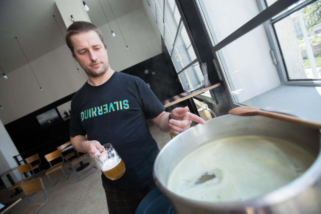 vaření piva chmelovar
